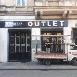 black beyaz outlet tabelası,kabartma harf led ışıklı reklam,sirkeci